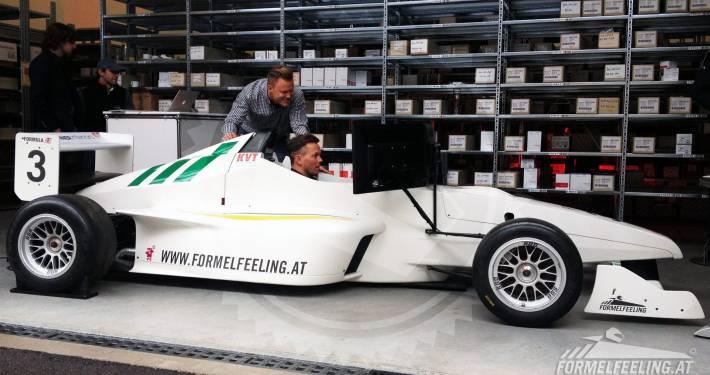 Formel 1 fahren im Formel-Simulator
